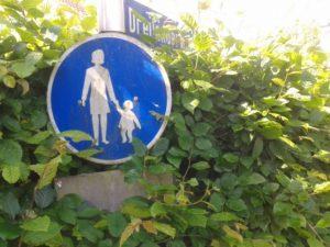 verkehrsschild dreilaenderpunkt 300x225 - Grenzen in Limburgs Süden