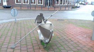 rotonde maasbracht 2 300x169 - Zu Besuch bei Limburgs Rotonde-Bewohnern