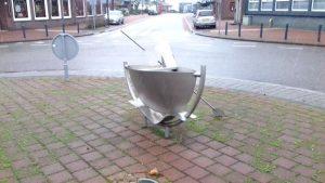rotonde maasbracht 3 300x169 - Zu Besuch bei Limburgs Rotonde-Bewohnern
