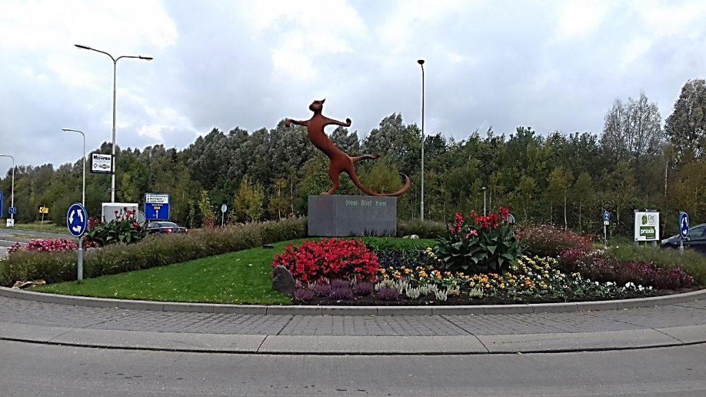 rotonde maasniel kater 2 1024x576 - Zu Besuch bei Limburgs Rotonde-Bewohnern